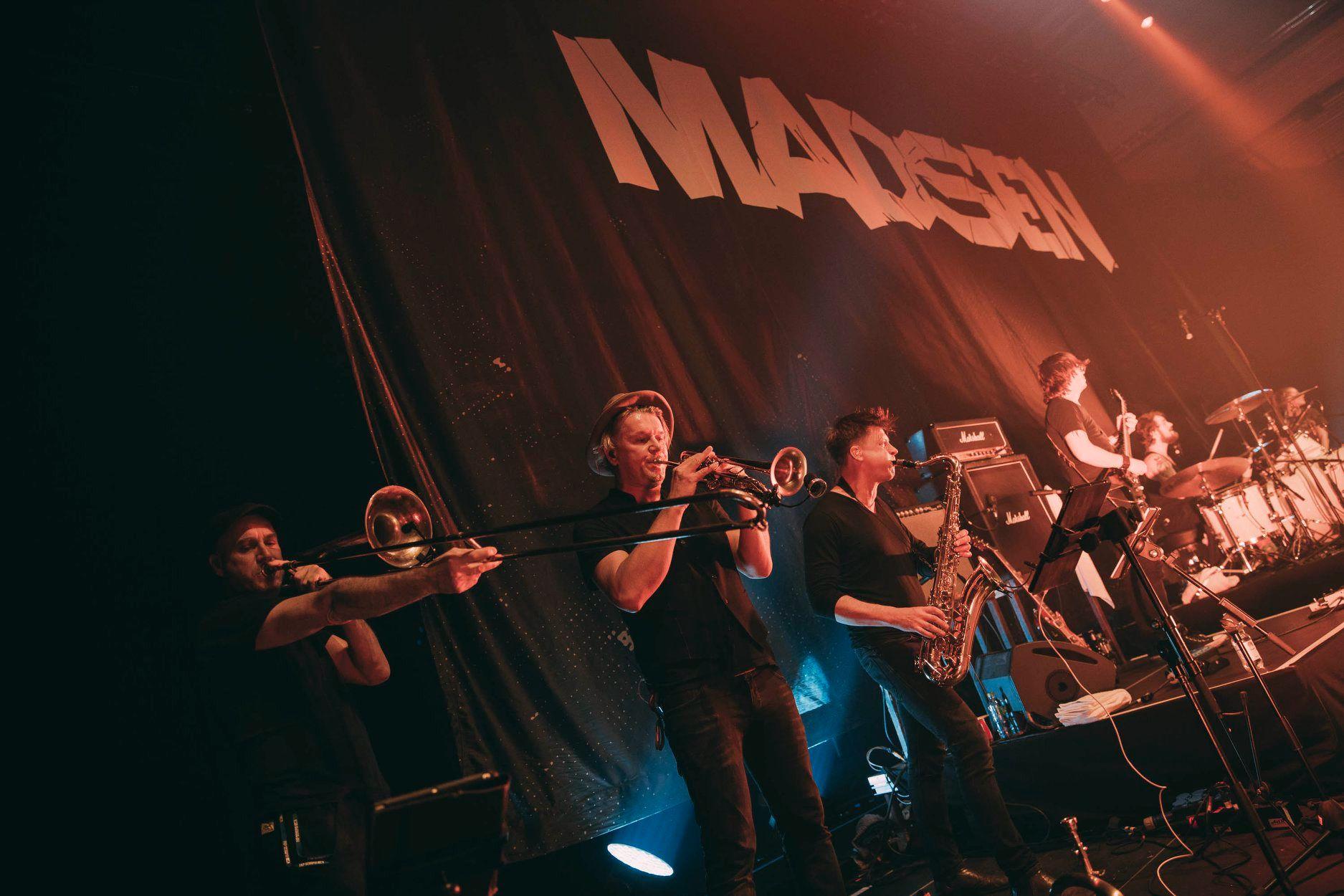 madsen-horns